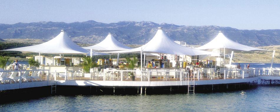 Độc đáo với cấu trúc màng căng bạt chóp nón cho resort