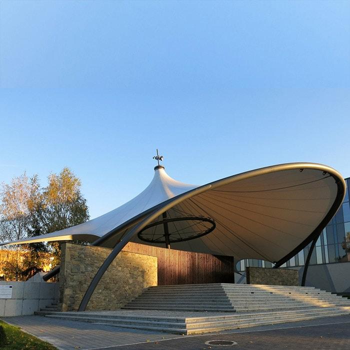 Xu hướng thiết kế resort với cấu trúc màng căng dạng chóp nón
